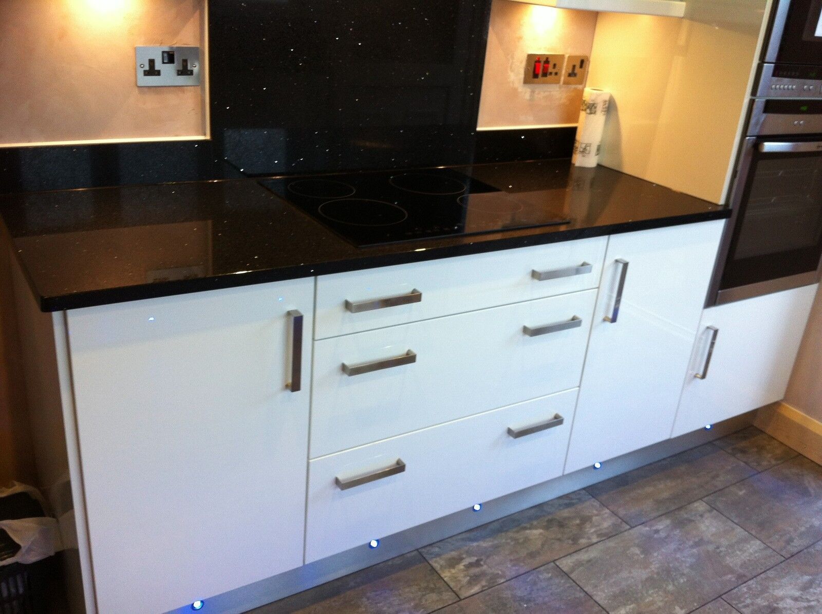 Fitted kitchen 10 units rigid biult not flat pack white for Fitted kitchen dresser unit