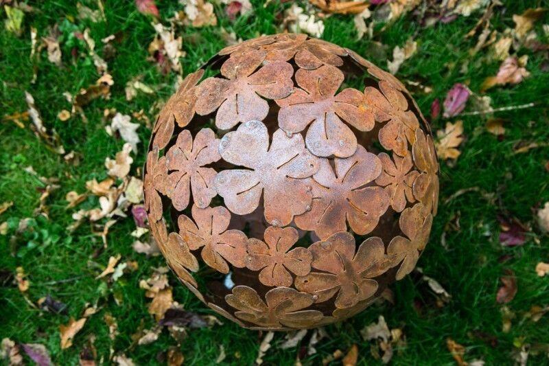 Dekokugel rost 30cm klee kleeblatt deko kugel for Rost deko kugel