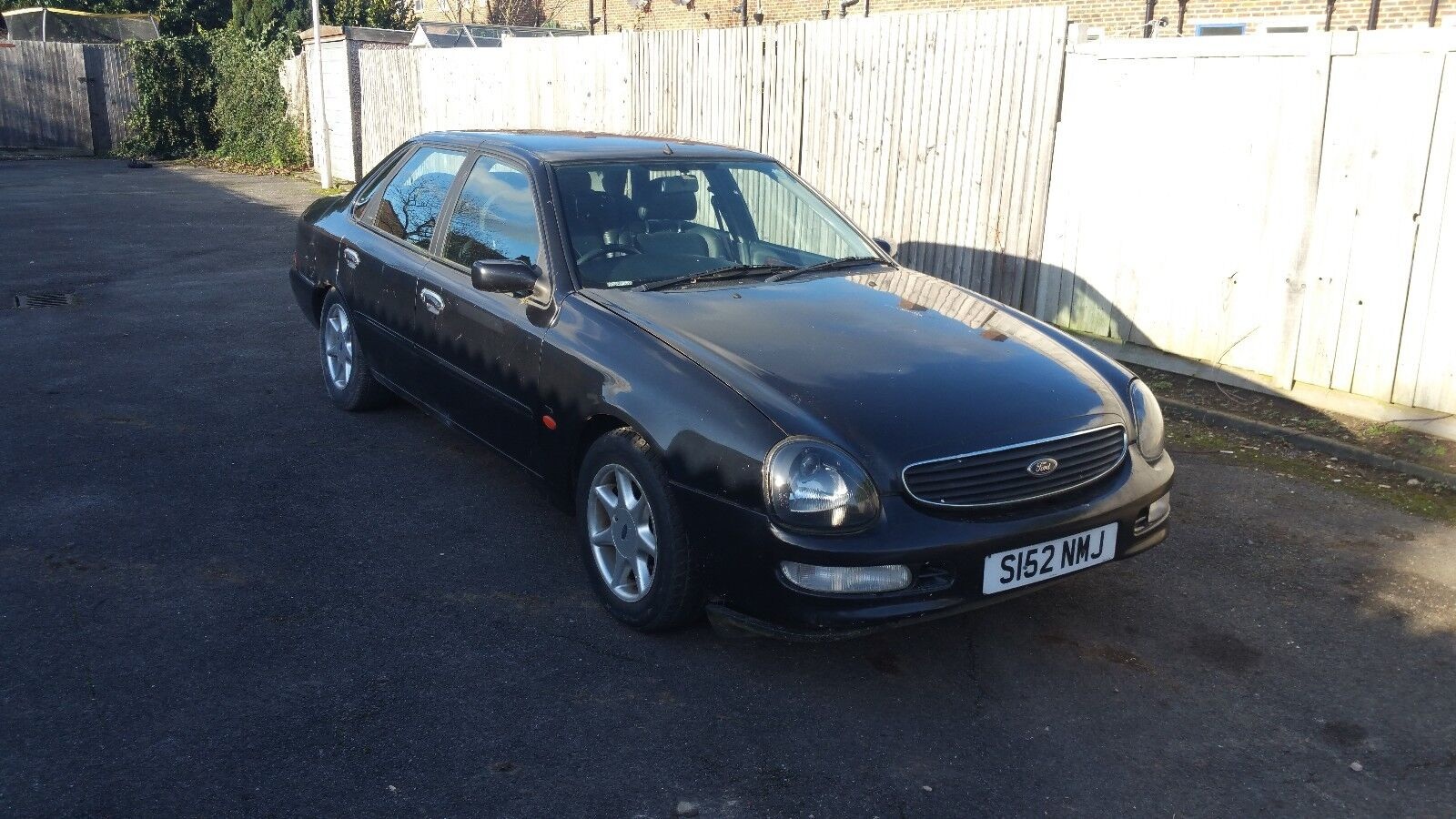 ford scorpio 2 5 tdi ghia auto spares or repair treat as a barn find ford classic cars. Black Bedroom Furniture Sets. Home Design Ideas